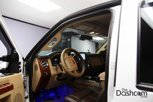 BlackVue DR650S-2CH-Truck dashcam installed in Ford F-350
