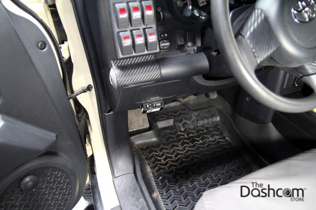 BlackVue DR650S-2CH installed in Toyota FJ Cruiser