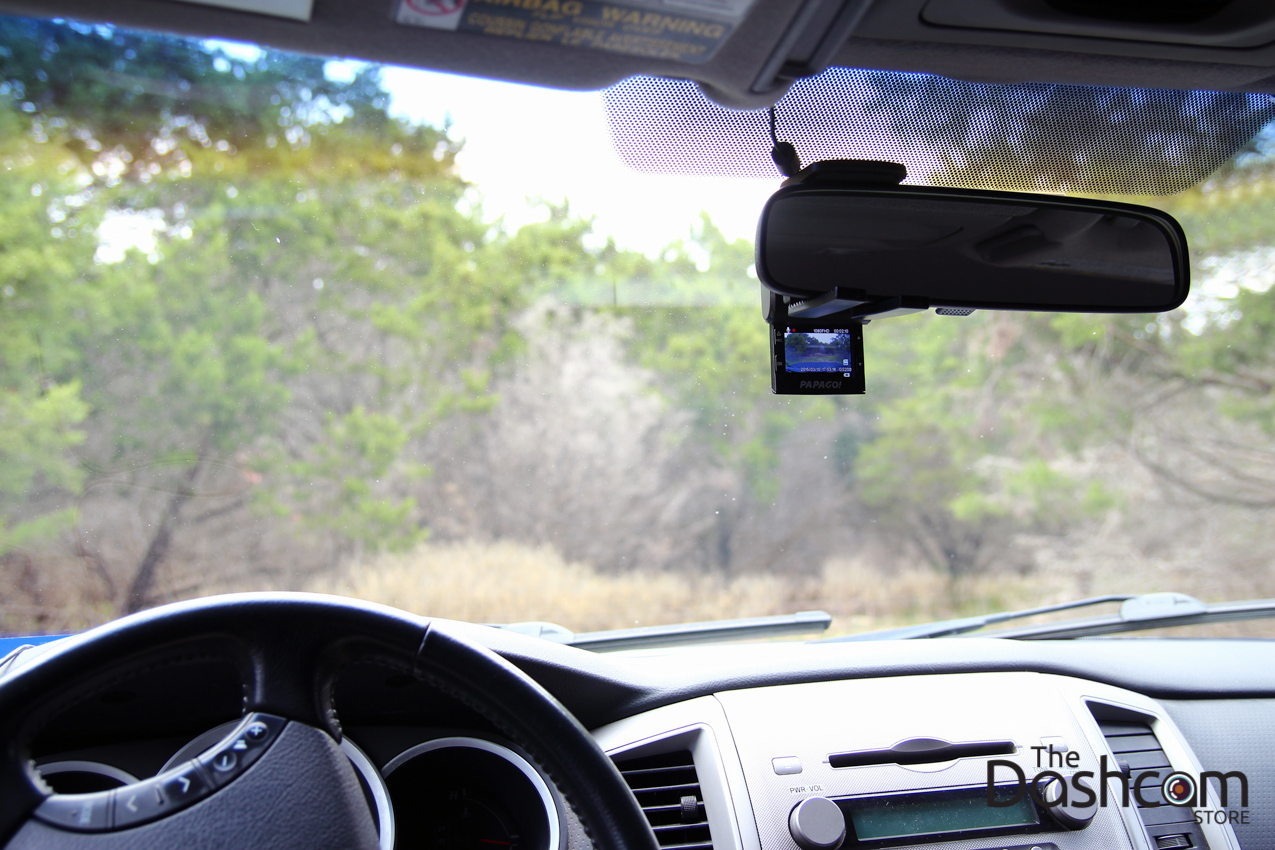 Papago GoSafe 200 in-car example photo