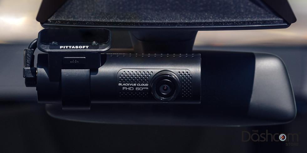 Пример фотографии видеорегистратора BlackVue DR750X-1CH-PLUS, вид спереди